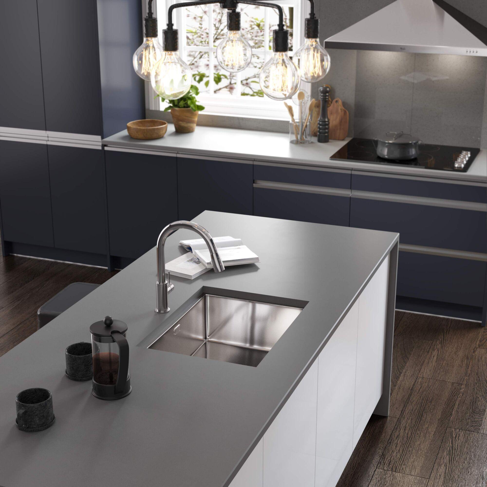 Roma Kitchen in Navy