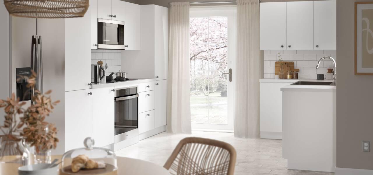 Slab Kitchen in White Matt